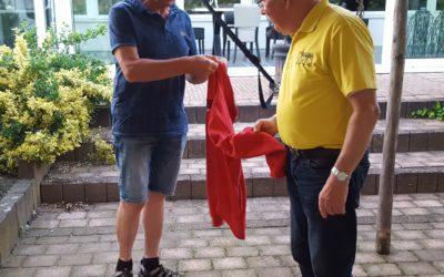 Dikke banden groep krijgt jacks overhandigd door Teeuwen Opslag!